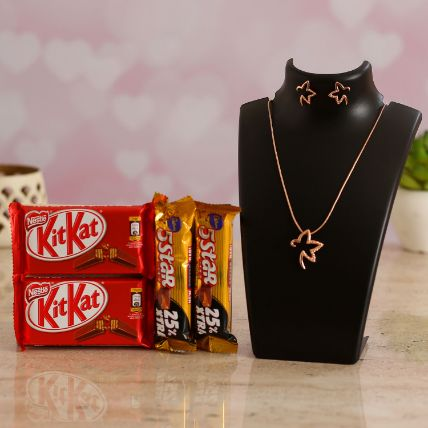 Beautiful Necklace Set With Kitkat and 5 Star: Combos Gifts Malaysia