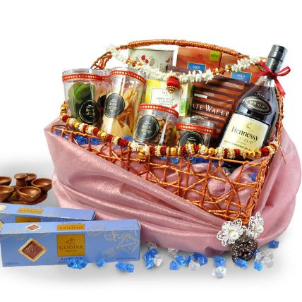 Delicious Gift Hamper: Hampers Delivery Malaysia