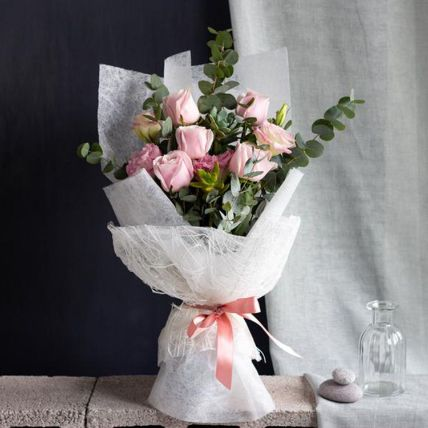 Pink Passion Bouquet: Luxury Flowers