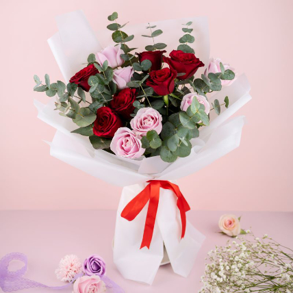 Lovely Mixed Roses Bouquet: Valentines Roses