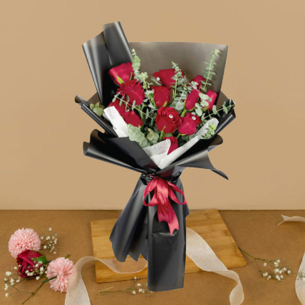 Romantic Red Roses Beautifully Tied Bouquet 6 Stalks